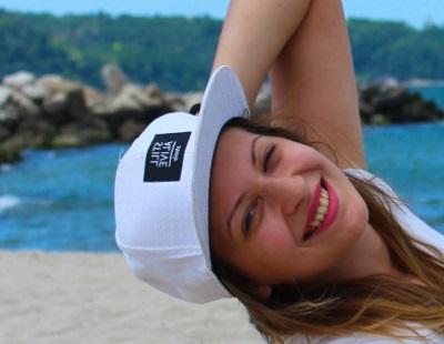 Heißer Sommer mit Yoana am Strand